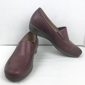 ECCO Burgundy Leather Slip On Loafers 8 US 38 EUR